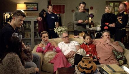 Modern Family Season 10 Mobile Image