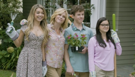 Modern Family Season 6 Mobile Image